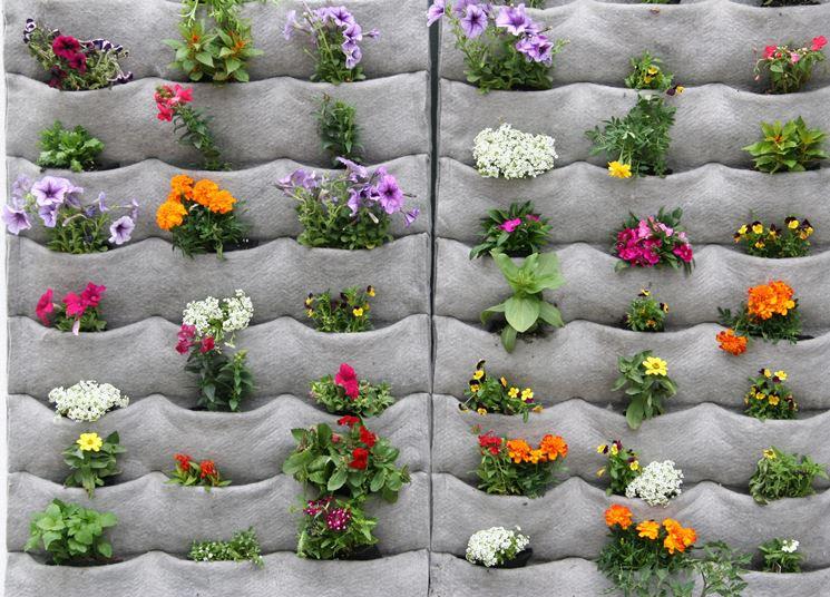 Giardino verticale in tasche di tessuto
