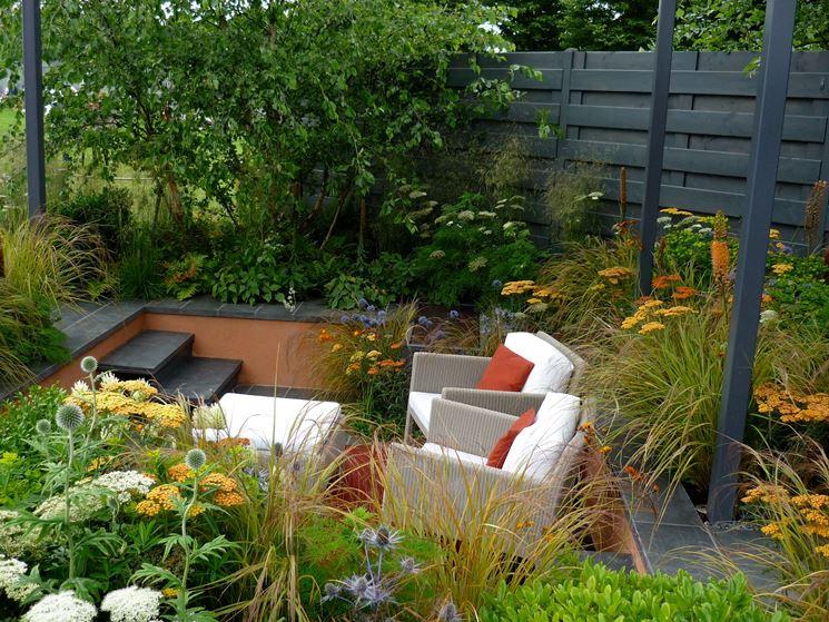 Idee per arredare un giardino giardini bergamo con come - Idee giardino in pendenza ...