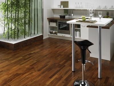 Pavimenti in legno progettazione giardini - Pavimento in legno da interno ...