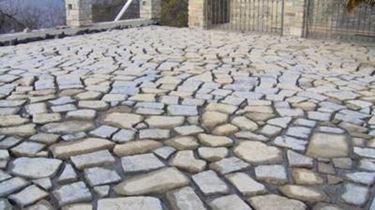 Pavimento in pietra progettazione giardini - Camminamento pietra giardino ...