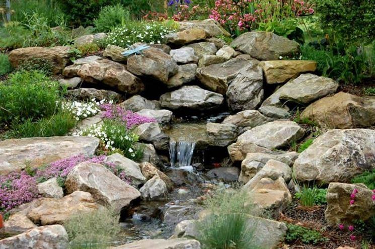 Sassi da giardino progettazione giardini usare sassi for Building a small water feature