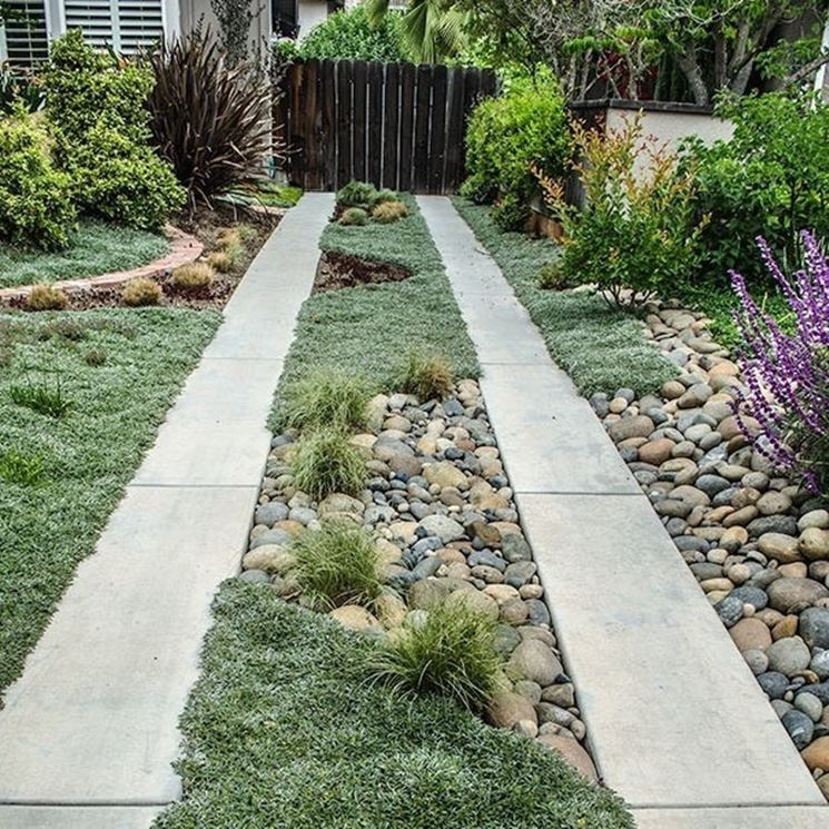 Finitura di un vialetto da giardino
