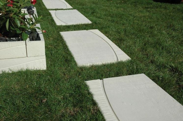 Lastre cemento per giardino