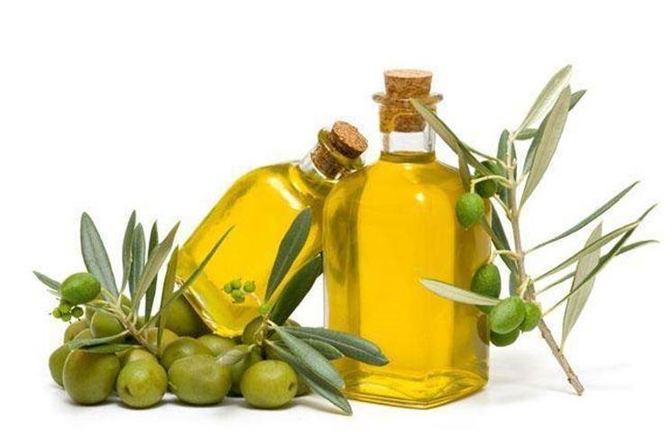 Le olive e l'olio d'oliva ottenuto