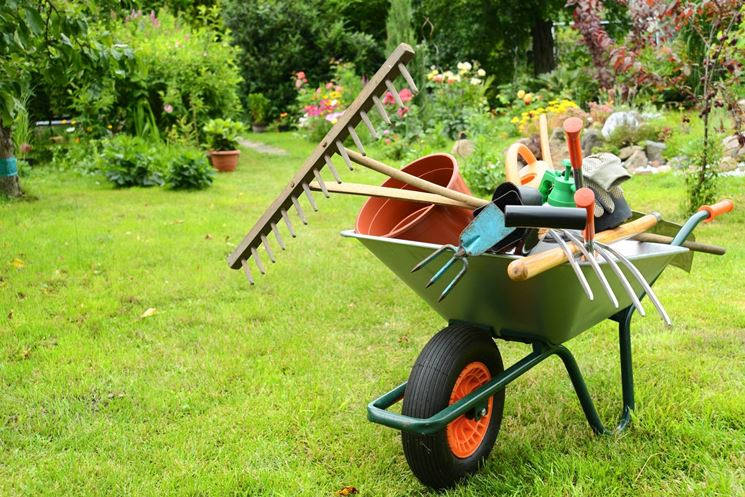 Attrezzi per giardinaggio