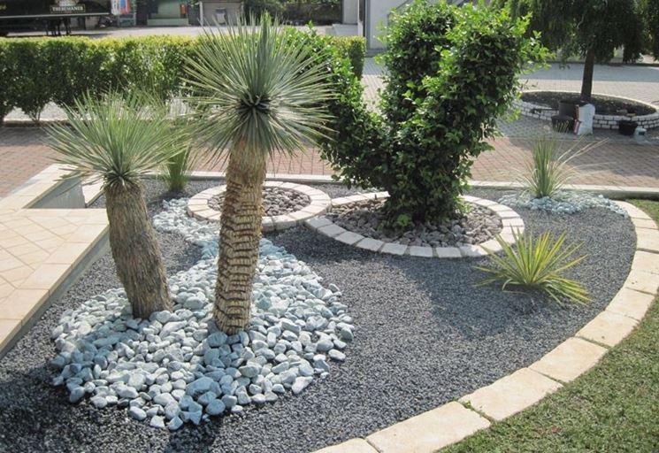 mobili lavelli aiuole con sassi e piante grasse