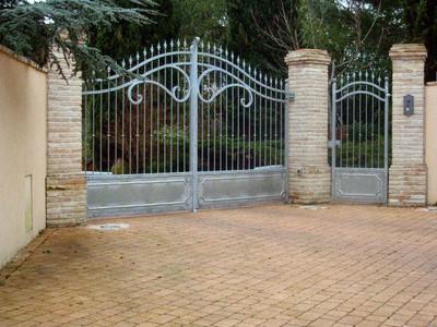 Furniture on Gates