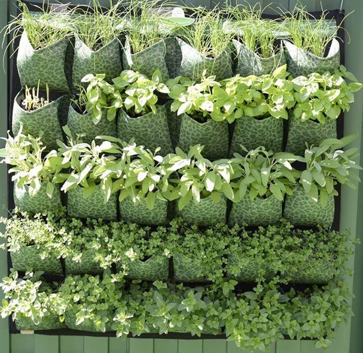 Orto verticale - Giardino in terrazzo - Come realizzare un ...